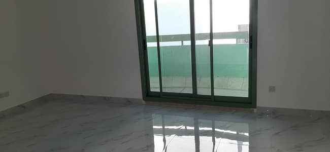 بنتهاوس 4 غرف نوم للايجار في شارع حمدان، أبوظبي - Fully Renovated 3 B/R Penthouse