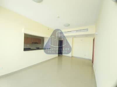 1 Bedroom Flat for Rent in Dubai Sports City, Dubai - LOWEST PRICE | 1BHK | CHILLER FREE | BRIGHT GLASS BALCONY