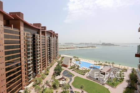 1 Bedroom Apartment for Rent in Palm Jumeirah, Dubai - High Floor - Sea View - Kitchen Appliances