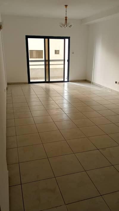 فلیٹ 3 غرف نوم للايجار في المجاز، الشارقة - شقة رائعة للأجار 3 غرف - في المجاز 3- الشارقة