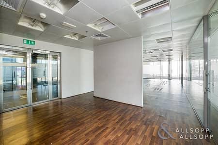 مکتب  للبيع في الخليج التجاري، دبي - Vacant   Grade A Tower   Next To Metro