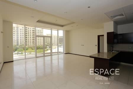 2 Bedroom Flat for Rent in Palm Jumeirah, Dubai - 1 Month Free - 4 Cheques  - Beach Access