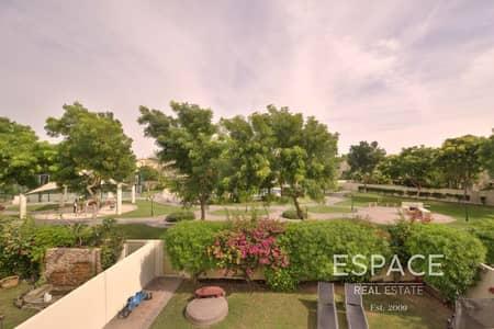 فیلا 2 غرفة نوم للايجار في الينابيع، دبي - Great Location - Type 4E - Park and Pool view