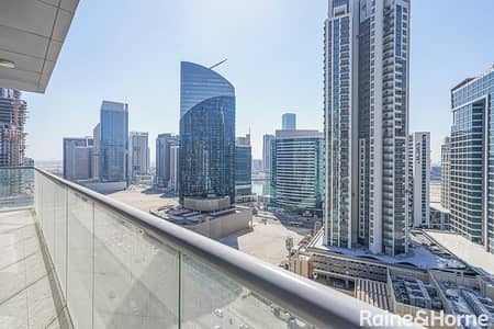2 Bedroom Flat for Sale in Downtown Dubai, Dubai - Spacious & Bright|2 BR High Floor |Canal View