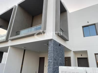 Perfect to live in this  Beautiful 3 Bedroom Townhouse | Near the community club