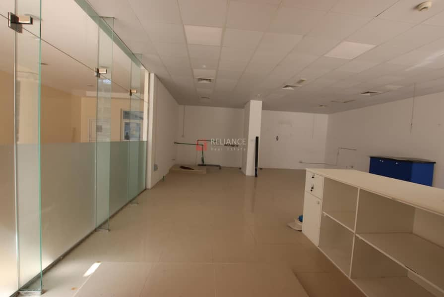 FULLY FITTED SHOP IN MAJAN - MADISON FOR SALE
