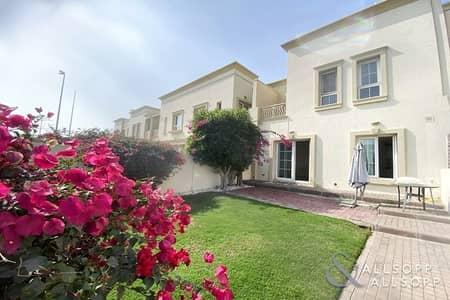 فیلا 2 غرفة نوم للايجار في الينابيع، دبي - Available Now | 2 Beds | Well Maintained