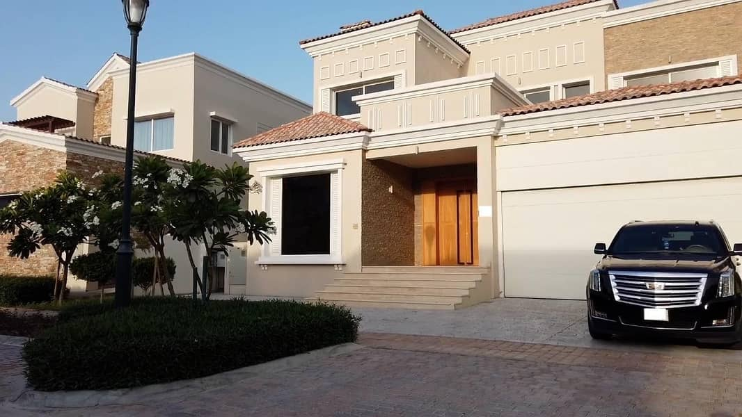 Panoramic Golf Course View - Contemporary Custom Built and Renovated