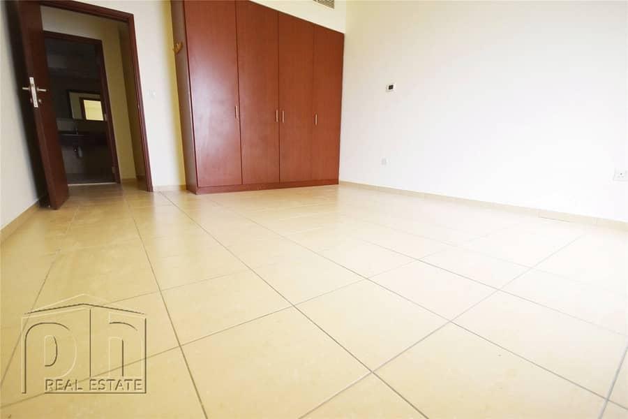 10 Marina View | Spacious |  Mid-Floor | Avail