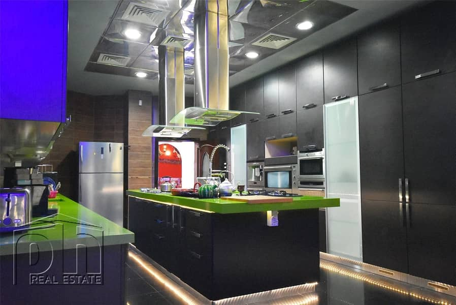 2 Unique 8 Bedroom Villa | Available Now |
