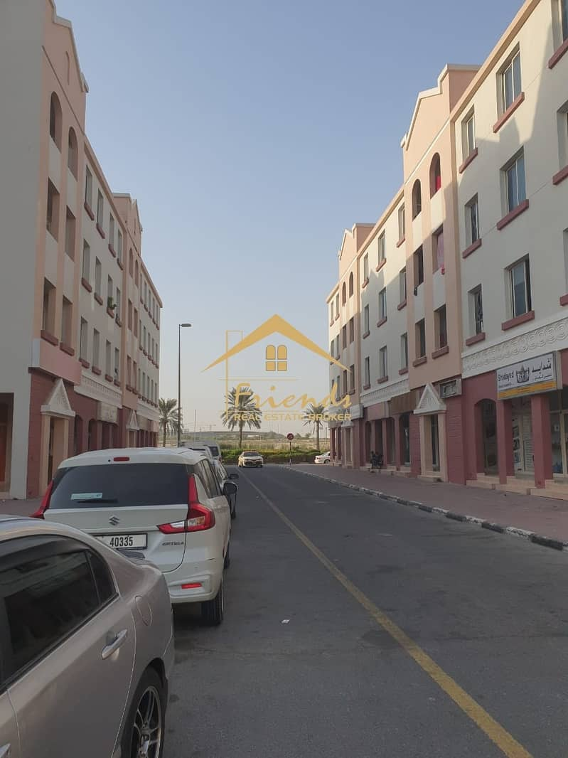 2 ONE BEDROOM WITHOUT BALCONY IN ENGLAND CLUSTER IS FOR SALE Aed290000/-