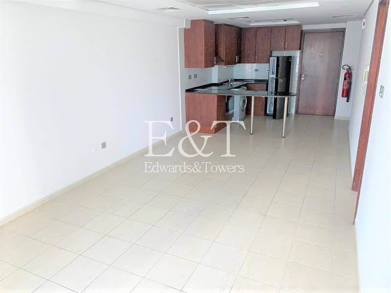 High Floor | Lake View | Well Maintained | Vacant