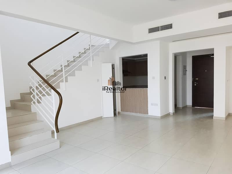 2 Own a Beautiful 2 BR Townhouse 770k