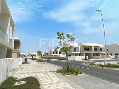 5 Bedroom Villa for Rent in Yas Island, Abu Dhabi - Vacant | Outstanding Villa| Perfect Area