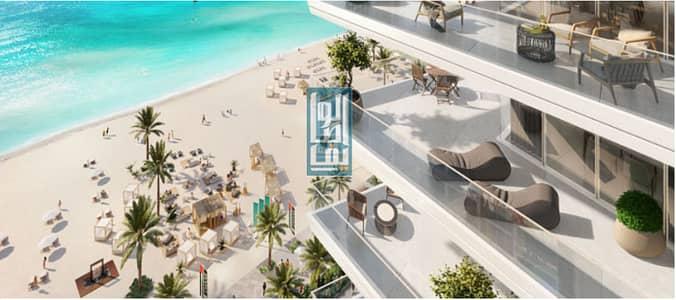 2 Bedroom Apartment for Sale in Dubai Harbour, Dubai - Gorgeous  beachfront Apartment   with amazing  Palm  &  Sea Views