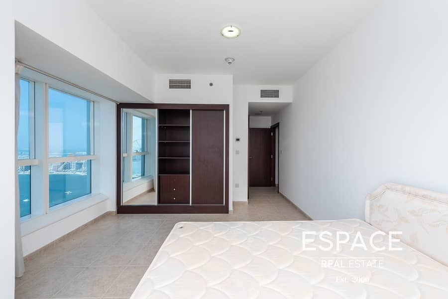 Sea View - Vacant - Spacious Apartment