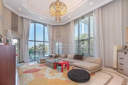 5 Bedroom Villa for Sale in Palm Jumeirah, Dubai - High Number / Open Waters/Vacant on Transfer