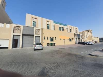 فیلا 4 غرف نوم للايجار في البرشاء، دبي - فیلا في البرشاء 3 البرشاء 4 غرف 130000 درهم - 5010007