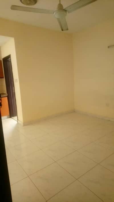 Studio for Rent in Bur Dubai, Dubai - GOOD STUDIO FLAT AVAILABLE FOR RENT