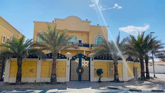 فیلا 5 غرف نوم للايجار في محيصنة، دبي - فیلا في محيصنة 3 محيصنة 5 غرف 130000 درهم - 5010147