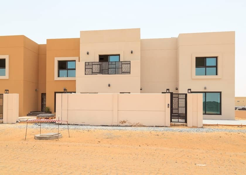 1 Select among these beautiful houses of Sustainable City in sharjah