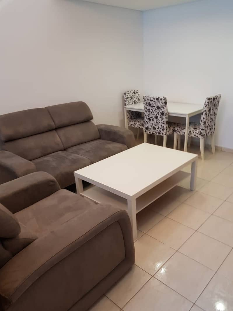 Fully furnished studio with full lake view for rent in JLT