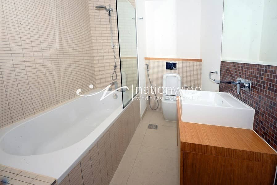 16 A Stunning Unit w/ Sea View Great For Investment
