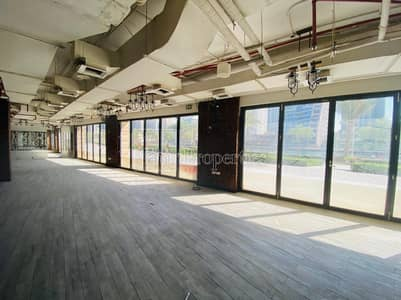 Shop for Rent in Dubai Marina, Dubai -  Clinics