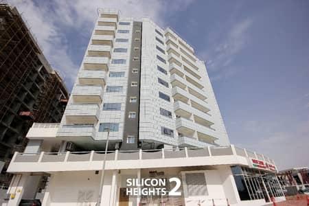 شقة 2 غرفة نوم للايجار في واحة دبي للسيليكون، دبي - 2-br  with balcony semi closed kitchen 1470 sqft only 51/4 chks