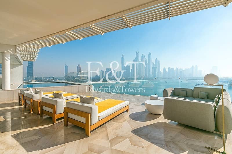 2 EXCLUSIVE AGENTS: High Floor 3 bed Penthouse