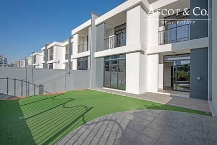 4 Bedroom Villa for Rent in Motor City, Dubai - NEW - 12 CHEQS - CORNER PLOT - AVAILABLE