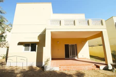 4 Bedroom Villa for Rent in The Meadows, Dubai - Meadows 6 | Spacious 4 Bed | Must Seen Now