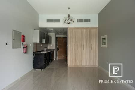 Fully Furnished | Spacious Studio | Canal views