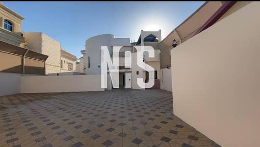 فیلا 4 غرف نوم للايجار في البطين، أبوظبي - Wide Villa with spectacular Price