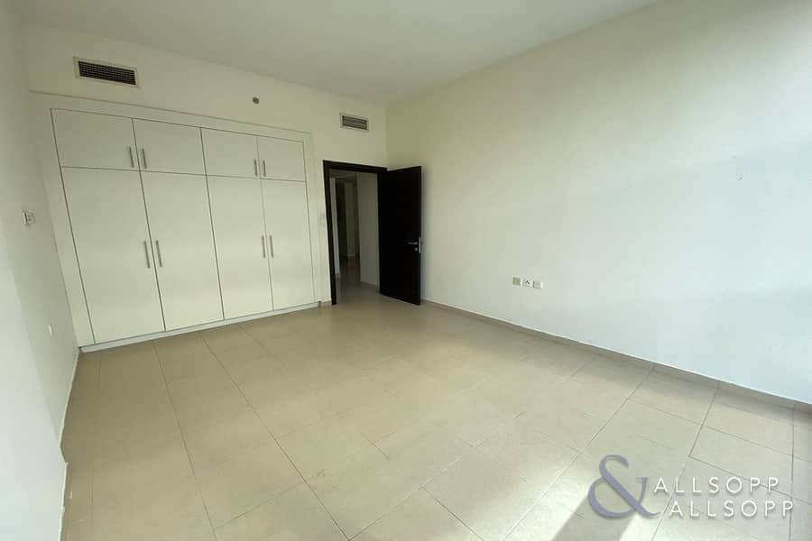 Spacious 2 Bed | Vacant | Marina Central