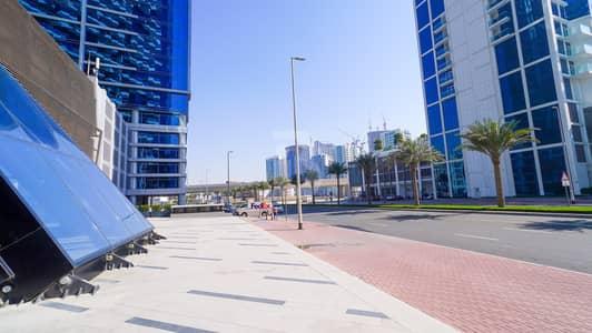 محل تجاري  للايجار في الخليج التجاري، دبي - RETAIL in Iconic Landmark available