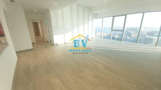 فلیٹ 2 غرفة نوم للايجار في البطين، أبوظبي - Brand New Sea View 2bedroom With Maid and Facilities