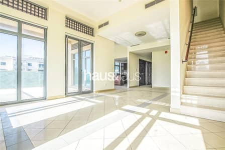 4 Bedroom Flat for Sale in The Views, Dubai - Vacant | Largest Unit | 5 Rooms | A Must See