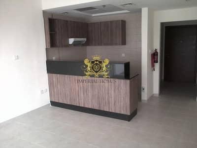 استوديو  للايجار في وسط مدينة دبي، دبي - HOT DEAL | Cheap Studio with Balcony in Downtown