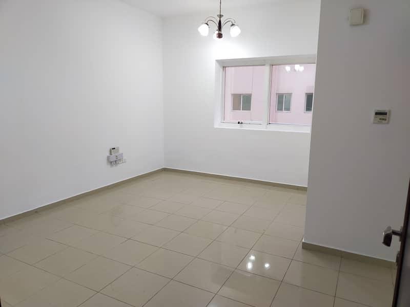 شقة في القصيص 1 القصيص السكنية القصيص 1 غرف 26000 درهم - 5012509