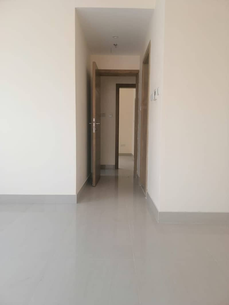 2bhk 42000 one month free Nwe building