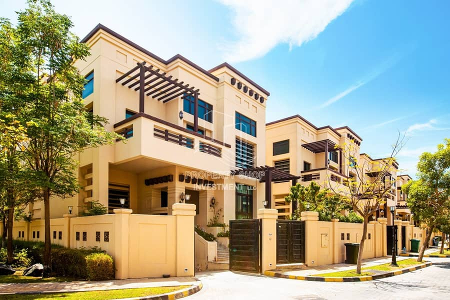 Hot Deal! Iconic Living Awe-Inspiring Luxurious Villa