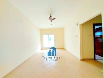 فلیٹ 2 غرفة نوم للايجار في الكرامة، دبي - 12Chqs 13Months Near ADCB Metro 2BHK Free Parking
