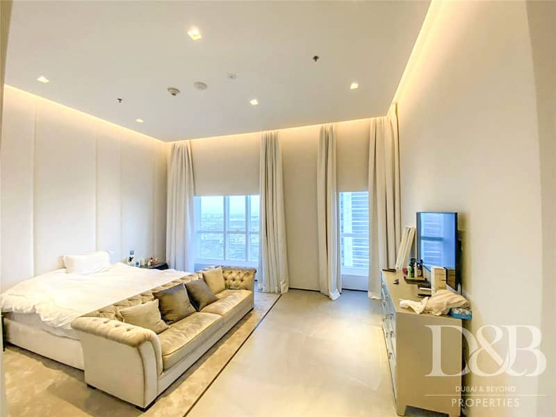 10 Furnished | Upgraded | Sea View | Private Pool