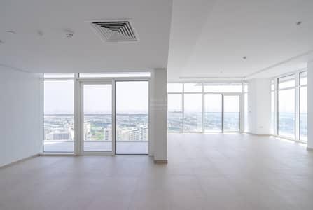 فلیٹ 4 غرف نوم للبيع في أبراج بحيرات الجميرا، دبي - Breathtaking View | High Floor | Bright and Spacious