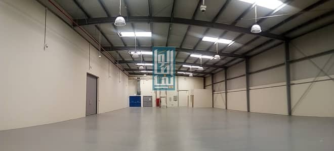Warehouse for Rent in Al Quoz, Dubai - BRAND NEW INSULATED WAREHOUSE ON MAIN ROAD NEAR SHEIKH ZAYED ROAD
