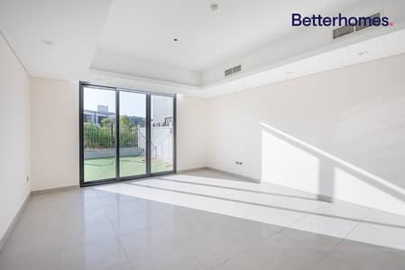 4 Bedroom Villa for Sale in Motor City, Dubai - Brand new | Great finishing | Ready to move in now