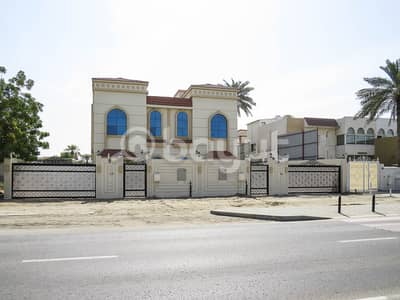 8 Bedroom Villa for Sale in Al Ghafia, Sharjah - VILLA DUPLEX FOR SALE IN AL GHAFIA