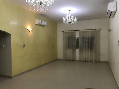 4 Bedroom Villa for Rent in Al Mizhar, Dubai - Very nice villa for rent in mizhar ( 4 bed room+ hall+ majlas