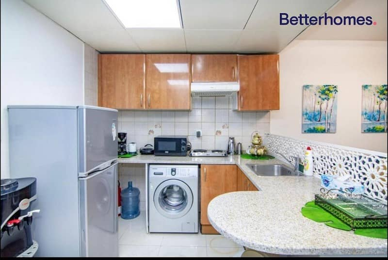 2 Upgraded | Fully Furnished | High Floor | Vacant